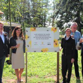 Zorgcentrum Nieuwe Hoeven krijgt bloemenveld